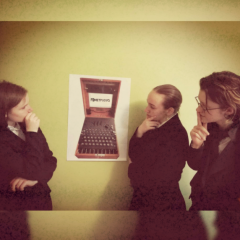 Zespół trzech 16-letnich pasjonatek kryptografii. Ps. Polecamy sałatkę Cezar.